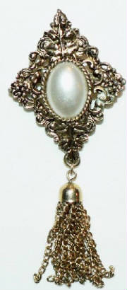 Mother of pearl goldtone pin
