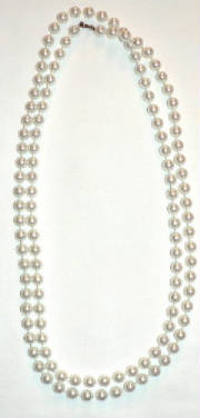 Two strend fake pearl necklace